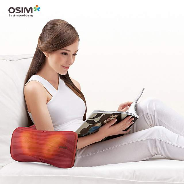 OSIM uCozy 3D Shoulder Massager - Passion Red